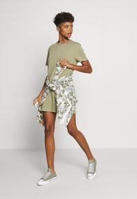 Tommy Jeans - BRANDED NECK TEE DRESS - Vestido informal - olive tree - 1