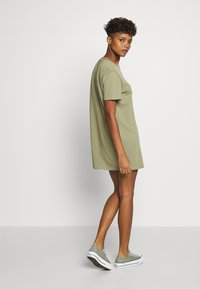 Tommy Jeans - BRANDED NECK TEE DRESS - Vestido informal - olive tree - 2