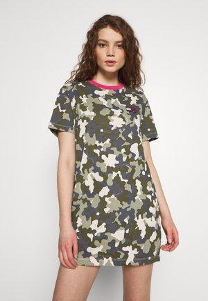 TJW CAMO TEE DRESS - Jerseykjole - olive tree