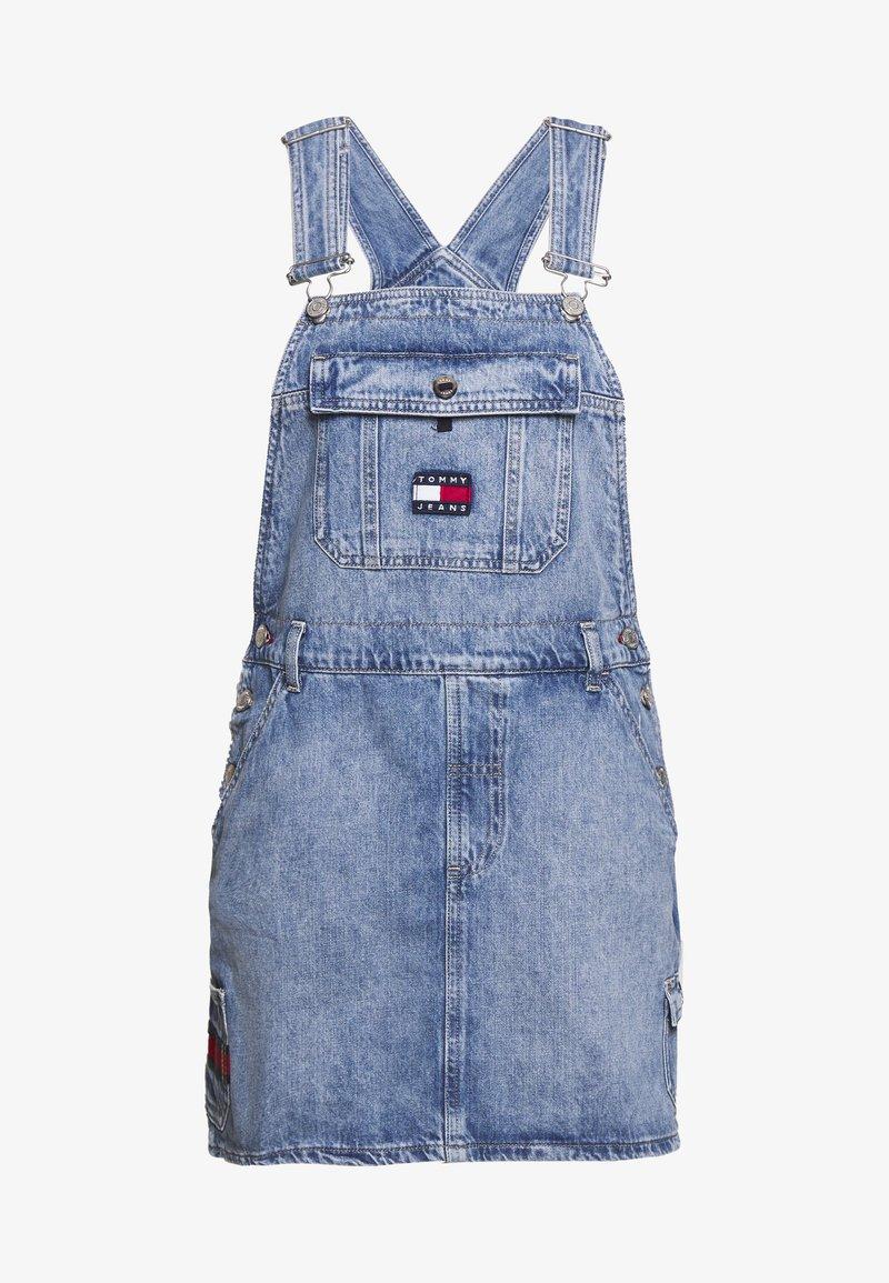 Tommy Jeans - DUNGAREE DRESS - Denim dress - carol