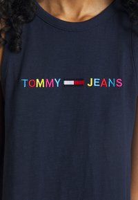 Tommy Jeans - TJW LOGO TANK DRESS - Day dress - twilight navy - 5