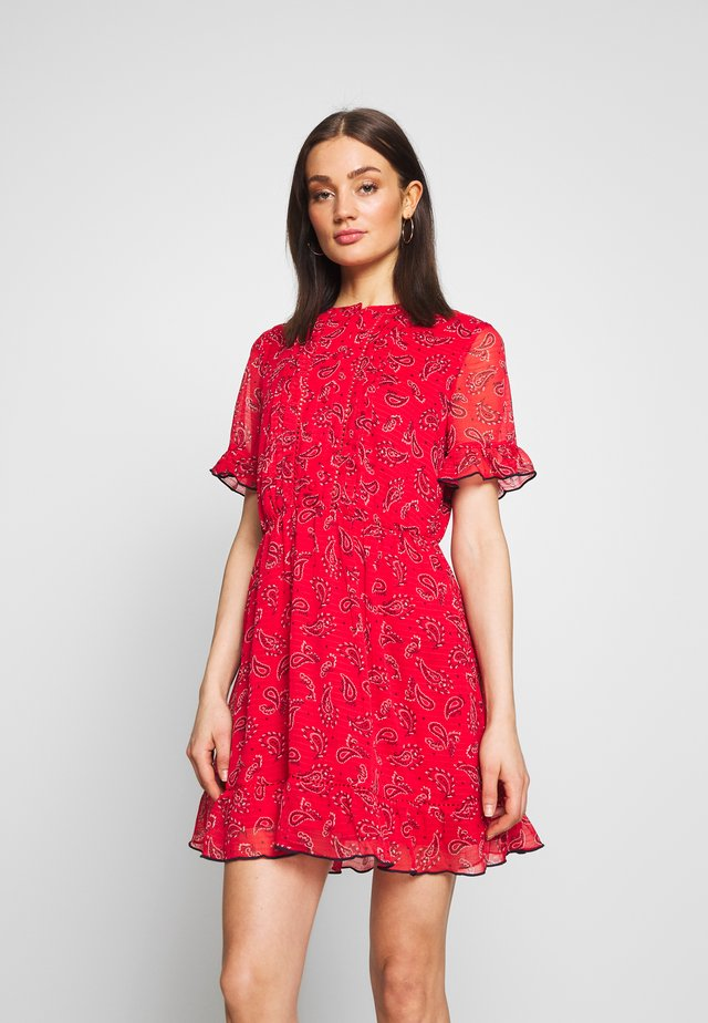FRILL SHORTSLEEVE DRESS - Korte jurk - deep crimson