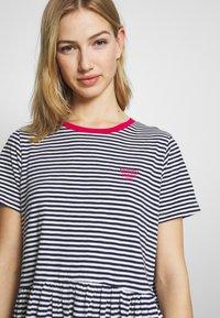 Tommy Jeans - STRIPE TEE DRESS - Jerseykjole - twilight navy white - 4
