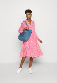 Tommy Jeans - FLORAL MIDI SHIRT DRESS - Day dress - floral/glamour pink - 1