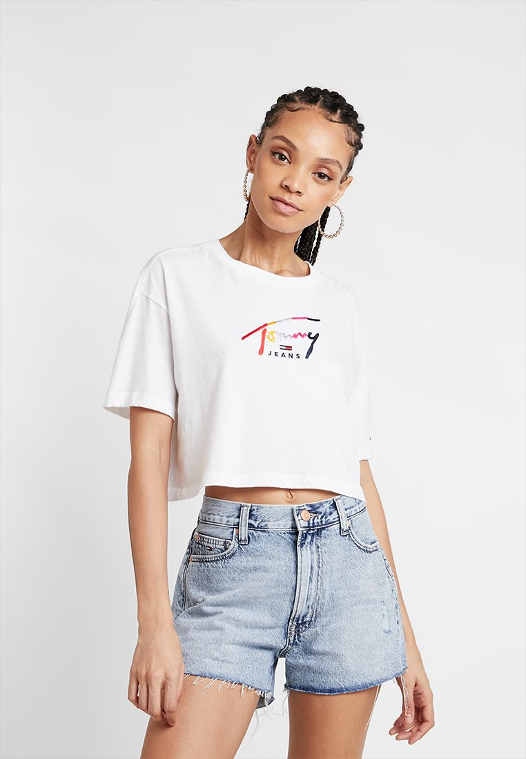 Tommy Jeans - CROPPED TOMMY SCRIPT TEE - T-Shirt print - classic white