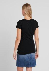 Tommy Jeans - ESSENTIAL SLIM TEE - T-shirts print - black - 2