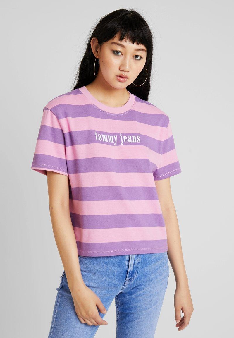 Tommy Jeans - COLOR STRIPE TEE - T-shirt imprimé - hyacinth/lilac