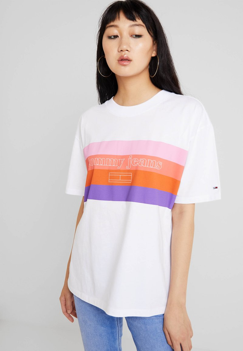 Tommy Jeans - BOX LOGO TEE - Print T-shirt - classic white
