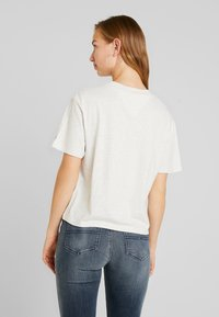 Tommy Jeans - EMBROIDERY GRAPHIC TEE - T-shirt con stampa - pale grey heather - 2