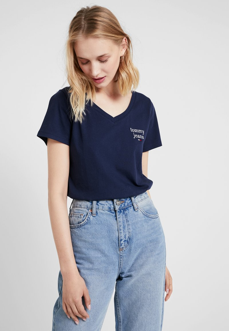Tommy Jeans - ESSENTIAL V NECK TEE - T-Shirt basic - dark blue