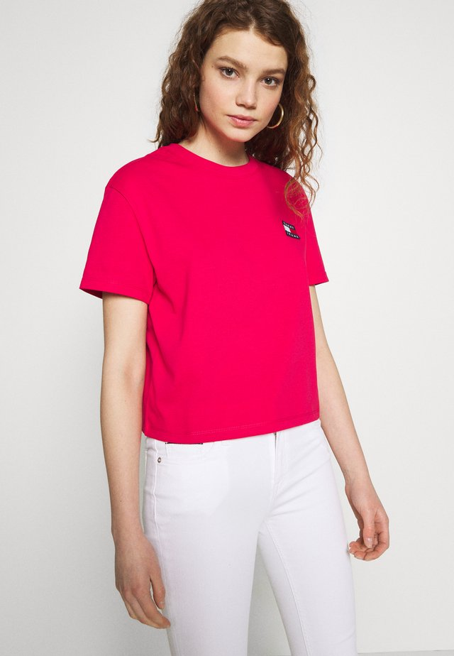 BADGE TEE - Basic T-shirt - blush red