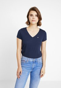 Tommy Jeans - SOFT V NECK TEE - Basic T-shirt - black iris - 0