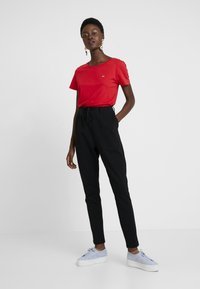 Tommy Jeans - SOFT TEE - T-shirt basique - flame scarlet - 1