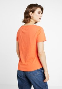 Tommy Jeans - SOFT TEE - T-shirt basique - emberglow - 2