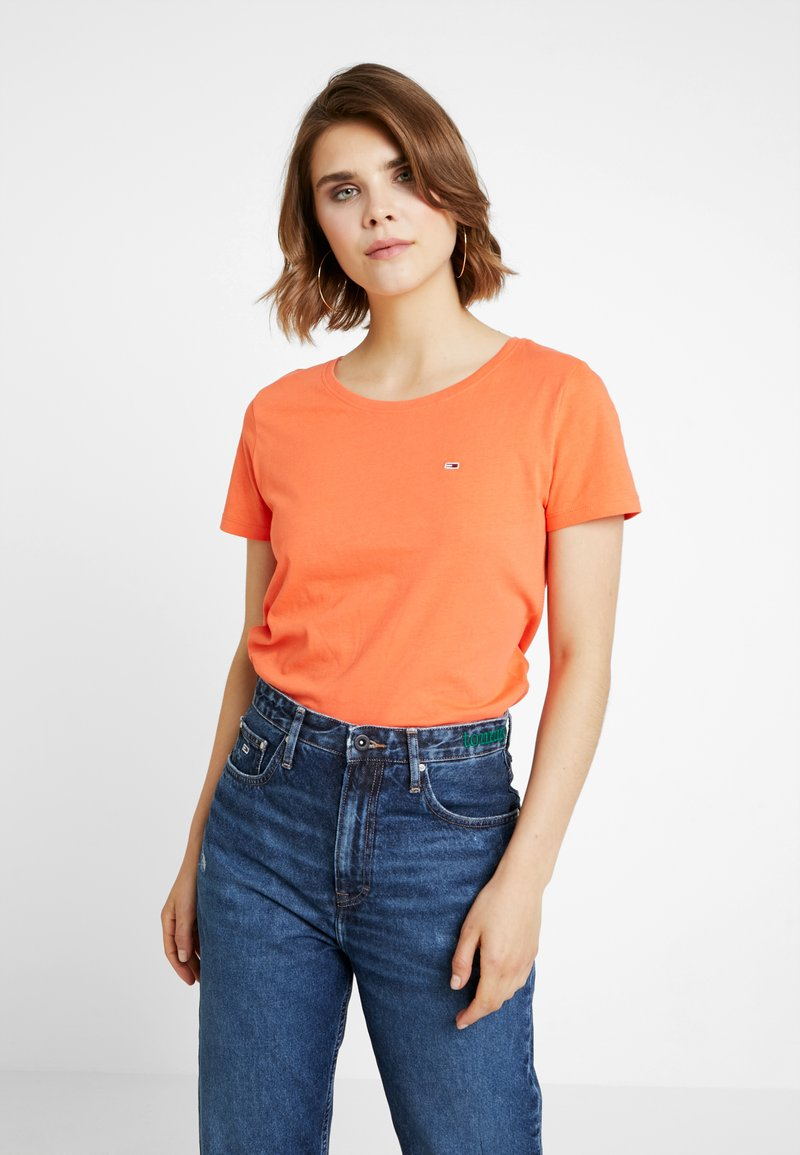 Tommy Jeans - SOFT TEE - T-shirt basique - emberglow