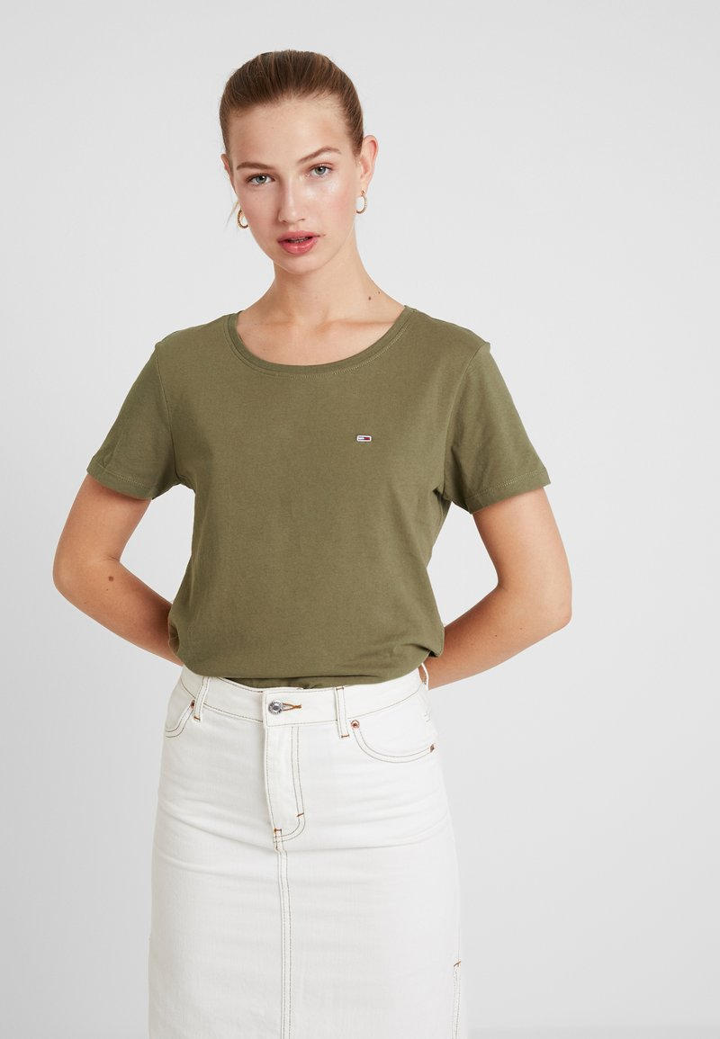 Tommy Jeans - SOFT TEE - Basic T-shirt - capers