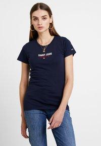 Tommy Jeans - SLIM MODERN LOGO TEE - T-shirt - bas - black iris - 0