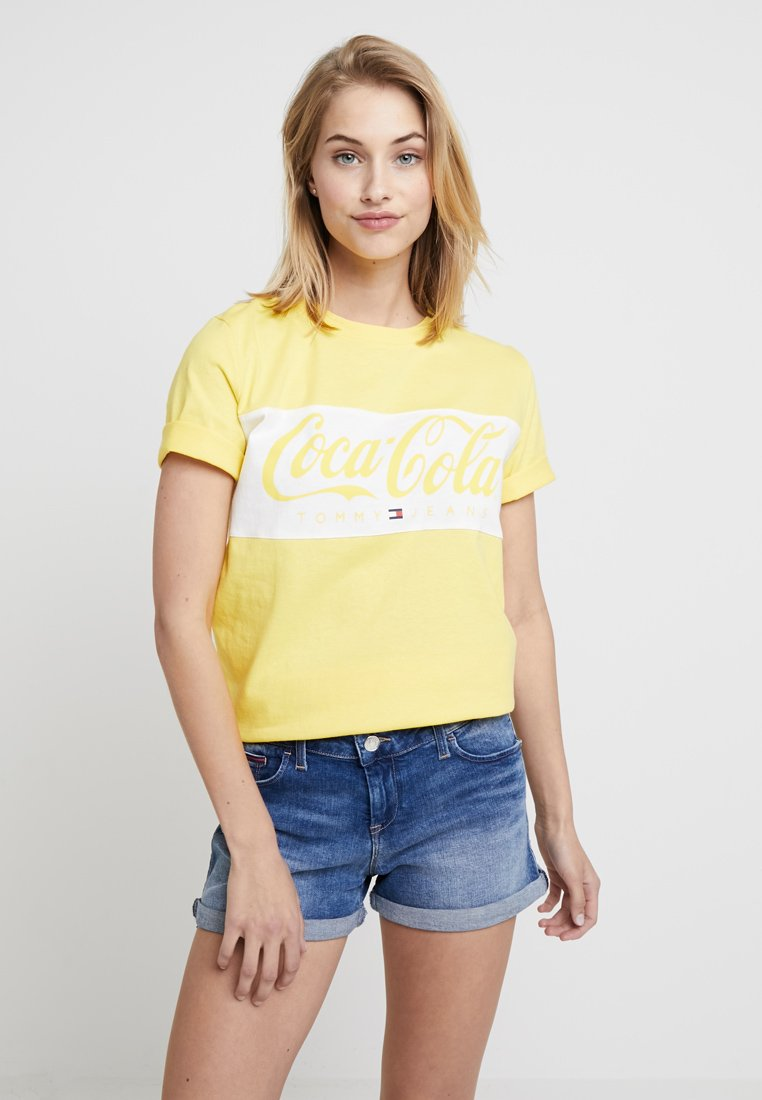 Tommy Jeans - TOMMY X COCA-COLA TEE - Print T-shirt - primrose yellow