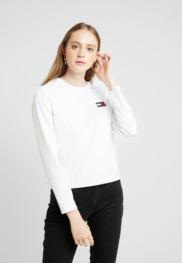 BADGE LONGSLEEVE - Long sleeved top - classic white