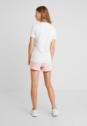 VINTAGE SCRIPT TEE - T-shirt imprimé - pale grey