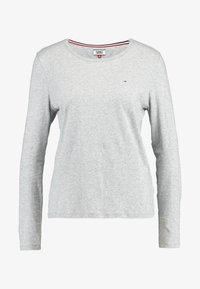 Tommy Jeans - TJW SOFT JERSEY LONGSLEEVE - Bluzka z długim rękawem - lt grey htr - 4