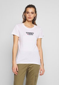 Tommy Jeans - CORP HEART LOGO TEE - Print T-shirt - classic white - 0