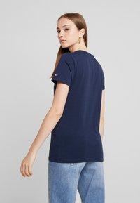 Tommy Jeans - METALLIC TEE - T-shirt imprimé - black iris - 2