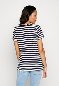Tommy Jeans - TEXTURED STRIPE TEE - Print T-shirt - twilight navy / white - 2