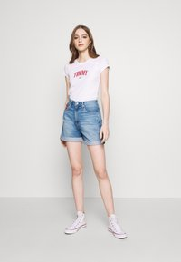 Tommy Jeans - SCRIPT  - Print T-shirt - white - 1