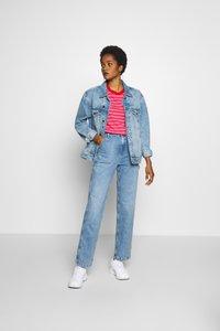 Tommy Jeans - CLASSICS STRIPE TEE - T-shirt imprimé - pink daisy/multi - 1