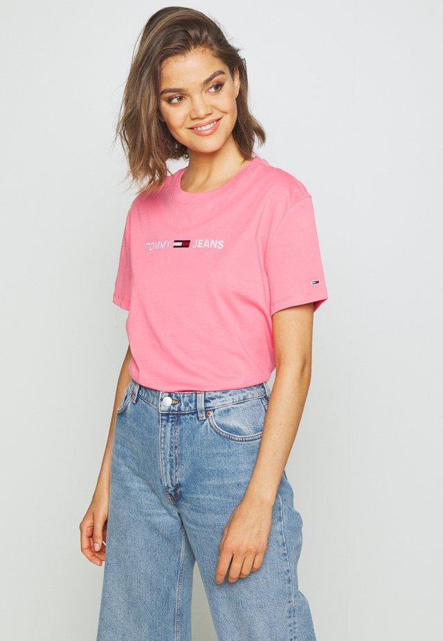 MODERN LINEAR LOGO TEE - Triko spotiskem - pink
