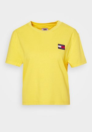 BADGE TEE - Basic T-shirt - star fruit yellow