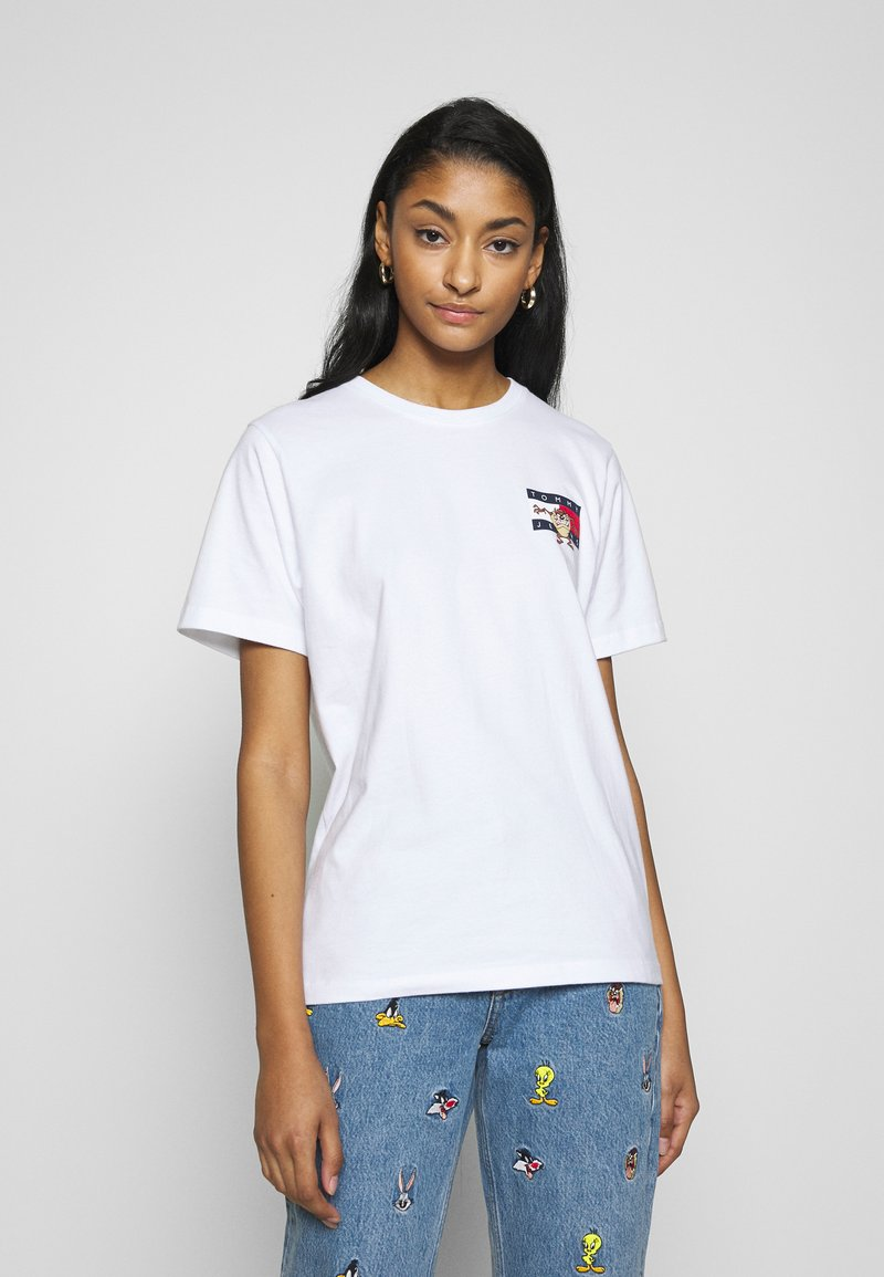 Tommy Jeans - LOONEY TUNES TEE  - Print T-shirt - white