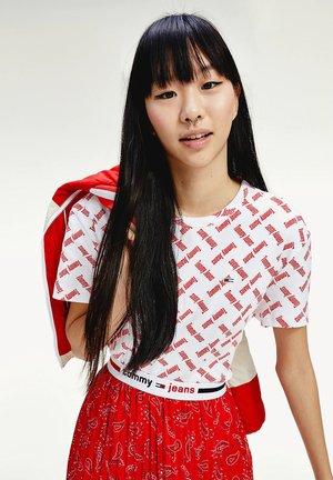 TJW AOP TEE - Print T-shirt - white