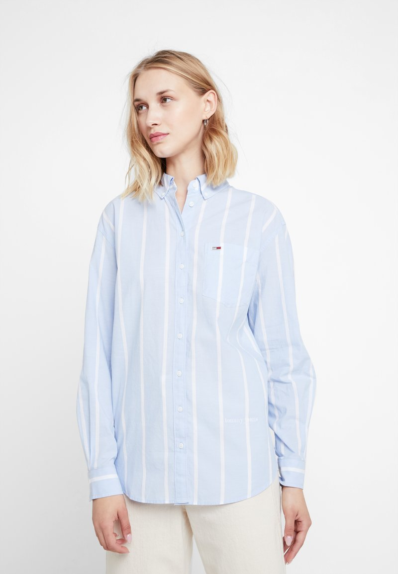 Tommy Jeans - STRIPE DETAIL - Chemisier - serenity / classic white