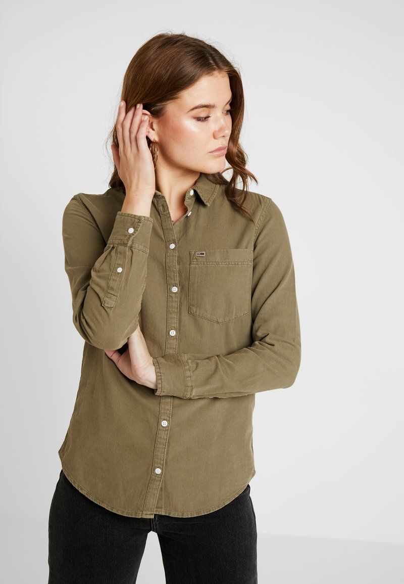 Tommy Jeans - WASHED REGULAR - Overhemdblouse - capers