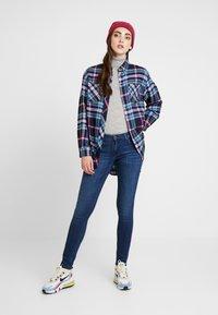 Tommy Jeans - CHECK - Košile - mazarine blue - 1