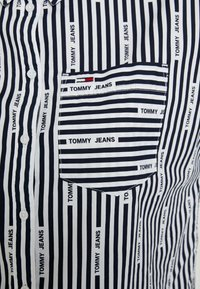 Tommy Jeans - LOGO  - Button-down blouse - black iris/classic white - 5