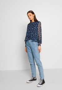 Tommy Jeans - SMOCK PRINT BLOUSE - Blůza - twilight navy - 1