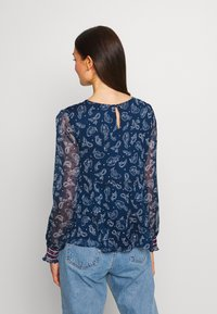 Tommy Jeans - SMOCK PRINT BLOUSE - Blůza - twilight navy - 2