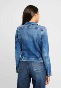 Tommy Jeans - SLIM TRUCKER VIVIAN - Jeansjakke - blue denim - 2