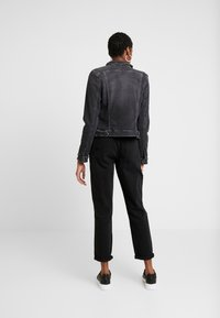 Tommy Jeans - SLIM TRUCKER VIVIAN - Veste en jean - pop black com - 2