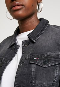 Tommy Jeans - SLIM TRUCKER VIVIAN - Veste en jean - pop black com - 6