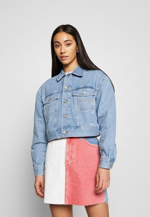 CROPPED TRUCKER JACKET - Denim jacket - light blue denim