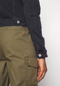 Tommy Jeans - VIVIANNE SLIM TRUCKER - Spijkerjas - bird black stretch - 6