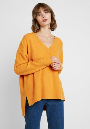 SIDE SLIT V NECK - Svetr - golden glow