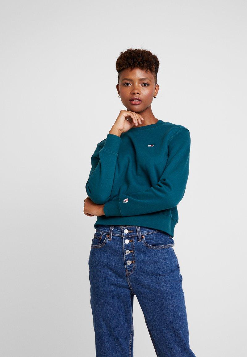 Tommy Jeans - CLASSICS CREW - Sweatshirt - atlantic deep