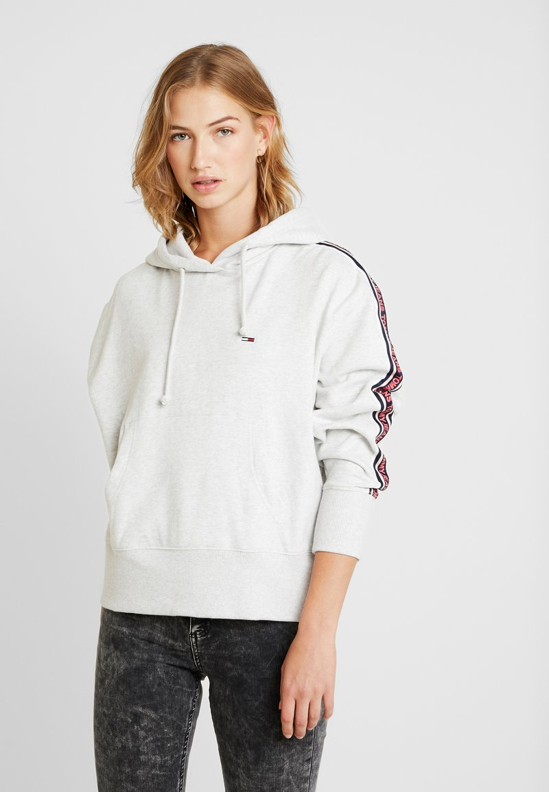 Tommy Jeans - TJW TONAL TAPE HOODIE - Hoodie - pale grey heather