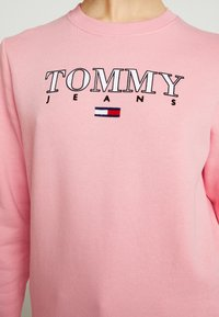 Tommy Jeans - ESSENTIAL LOGO - Sweatshirt - pink icing - 5