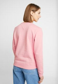 Tommy Jeans - ESSENTIAL LOGO - Sweatshirt - pink icing - 2